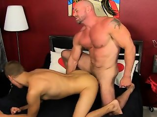 Gay XXX Muscled hunks like Casey Williams love to get some a