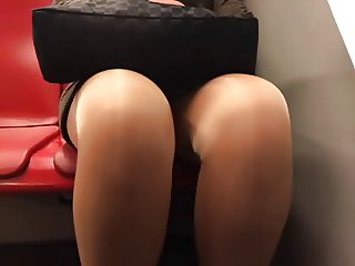 mature upskirt legs tights in metro part 1