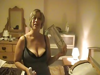 She gets an orgasm with her new sex toy