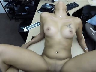 Cute amateur girl pawns her pussy and nailed in the backroom