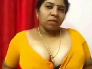 Cute Fattty Aunty Showing Huge Boob