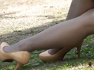 yellow ebony heels