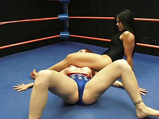 Wonder Woman Wrestling