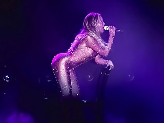 BEYONCE UPCLOSE AND PERSONAL 2