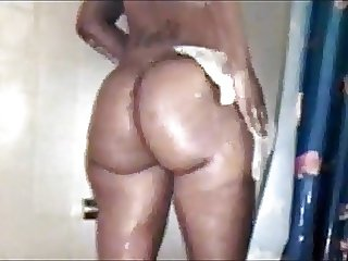 Black Sister Ghetto Booty Shower- Fat Ass Bubble Butt