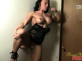 Bella 01 - Female Bodybuilder