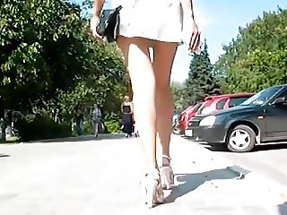 Sweet pussy ass wagging ... legs are incredible ... heels