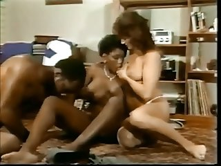 Vintage Busty Black In Interracial FFM