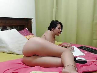Latino girl with awesome ass 2 - webcam