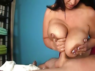 Beautiful Big Naturals Titjob compilation