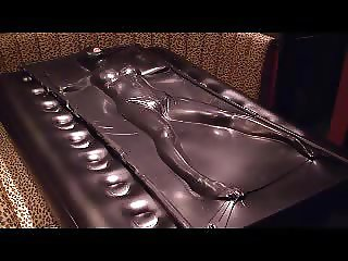Black vacuum bed