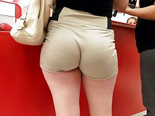 My goodness these whooty voyeur shorts