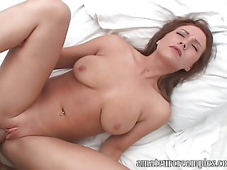 College girl on spring break gets creampie