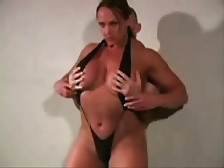 Amateur Female Bodybuilder having sex