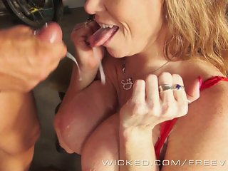 Wicked - Trashy Milf Darla Crane takes a load