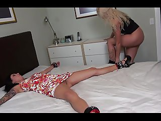 Mistress used her slave's face to cum