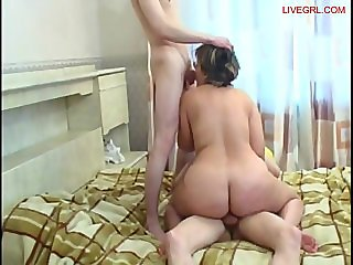 Double penetration for a horny mom