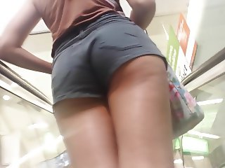 Bare Candid Legs - BCL#162