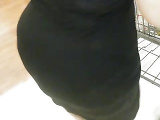 cherry pop big booty my wife walkIng WALMART