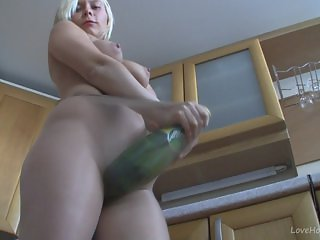 Housewife has a fetish for nylons