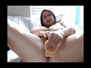 Horny Fat Chubby Nerdy gril masturbating and cumming on cam