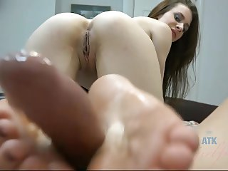 Anya Olsen is starving for you to cum on her feet