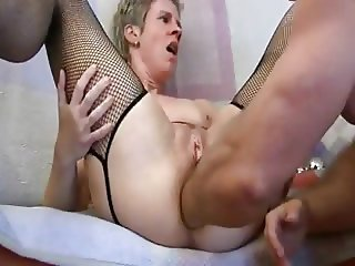 Amateur - German Mature Anal Fist Cucumbers Dildo