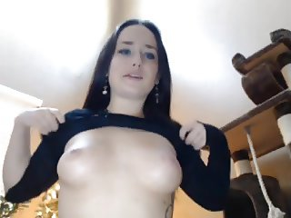 Teen masturbating and have orgasm on Webcam