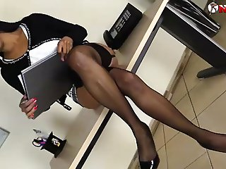 Black girl squirting over her feet in stockings
