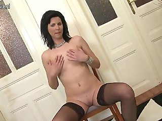 onmilfcom Hot real mom and housewife show