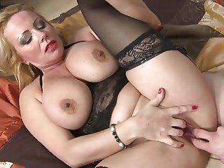 Mature sex bomb mother fucks son