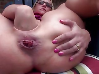 Hot Milf Fisting and Gaping her Pussy