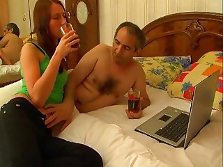 STPdaddy Gives A Nice Creampie !