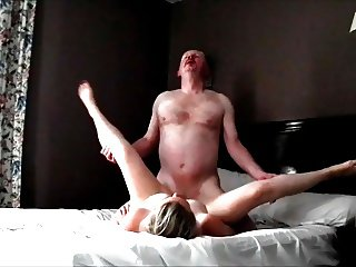 32yo British Ex-GF first fuck of the morning
