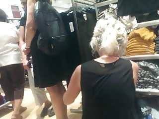 turkish blonde milf upskirt