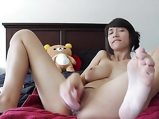 Sexy Babe's Creamy Orgasm Whilst Toying