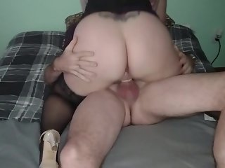 Fucking chubby hotwife while cuck films