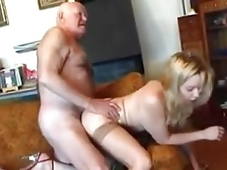 Older guy fucks younger chick !!!