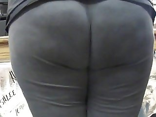 BBW Wide Thick Booty In Tights