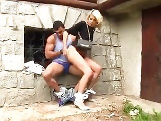 MILF fucked by a stranger in the alley
