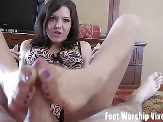 Let me worship your feet before we hit the beach