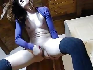 Hot latina orgasms and has spasms standing up 3