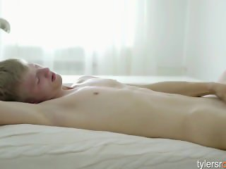 Blond Twink Christian Dimas Stroking Dick