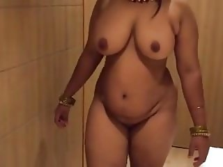 INDIAN BBW AUNT - NEVER EVER SEEN - VERY SEXY