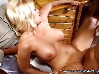 Blonde Swingers Enjoys Anal Threesome