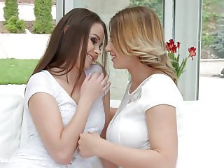 Natural Lovers - lesbian scene with Ayda Swinger and Li
