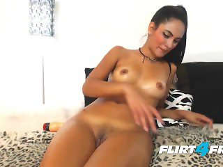 Petite Amateur Puts On a Squirting Show