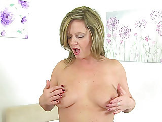 British milf Silky Thighs Lou rubs her mature cunt
