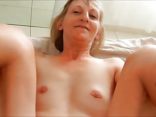 slut flat granny Karill fucking on bed