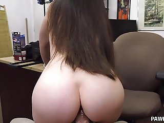 Hot MILF wants to pawn some fetish stuff - XXX Pawn